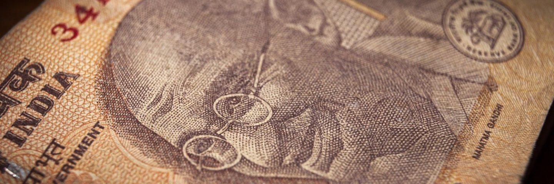 Indischer Geldschein mit dem Portrait Mahatma Ghandis